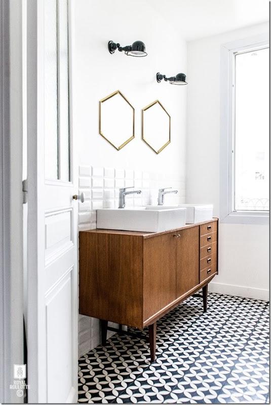 come-inserire-un-mobile-vintage-nell-arredamento-del-bagno (2)