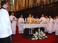 12 Dr. Udvardi Gyügy pécsi megyéspüspök celebrálta a szentmisét.JPG