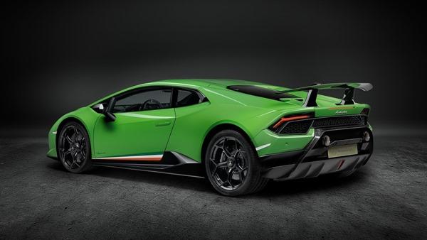 Lamborghini-Huracan_Performante-rear