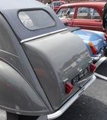 Citroën 2 CV malle bombée