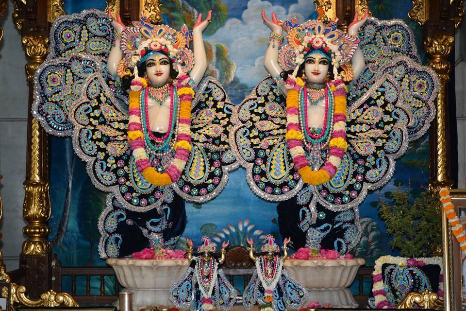 ISKCON Ujjain Deity Darshan 05 April 2016  (5)