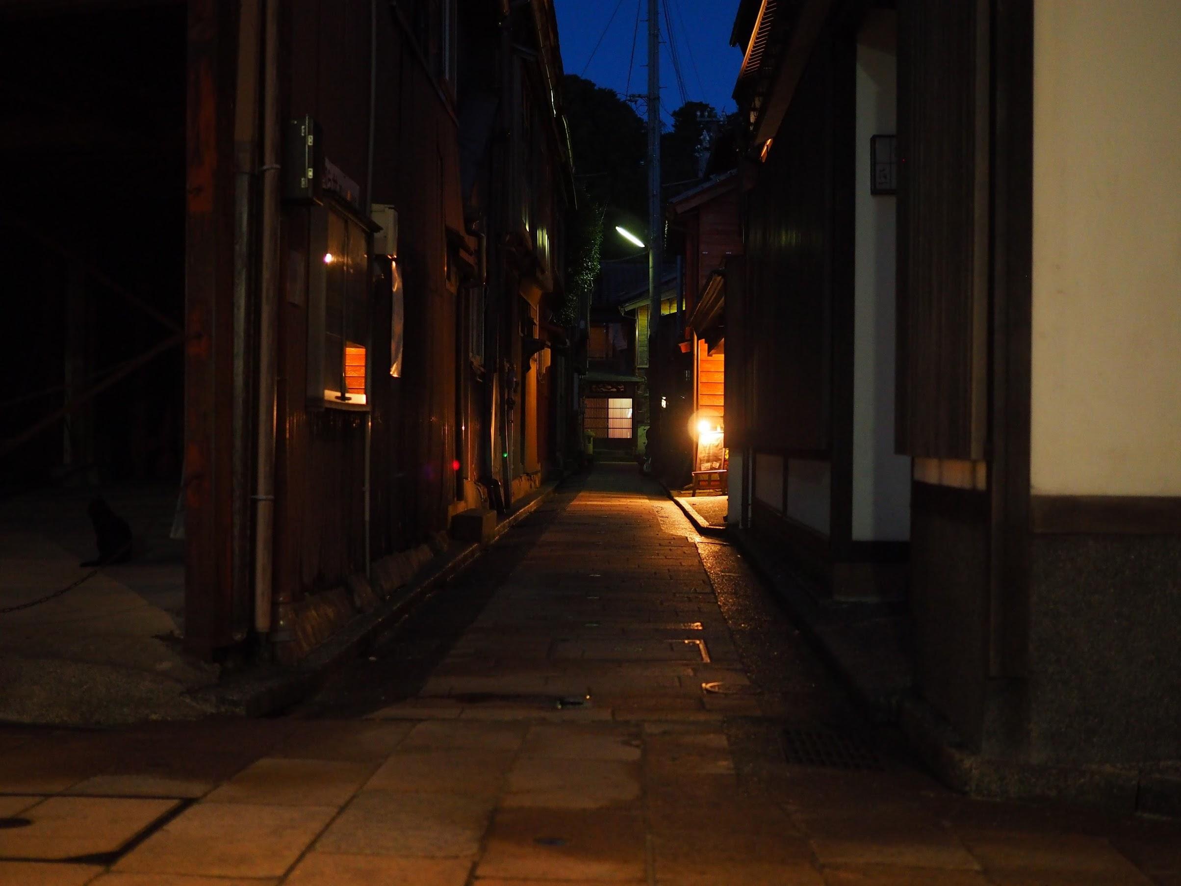 茶屋街の路地