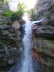 On prépare la corde pour le rappel de 10m à la pissarde