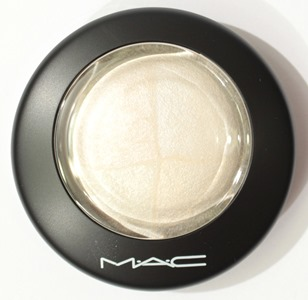 BarelyDressedMineralSkinfinishMAC2