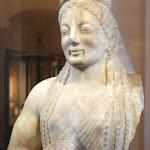 Art grec - La Korê de l'Acropole (marbre, 540-530 av. J.-C.)