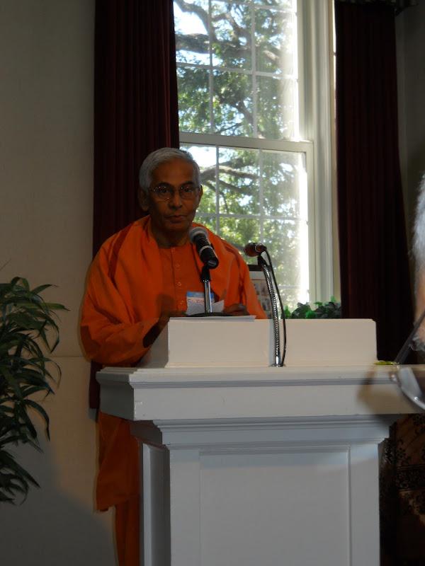 Swami Brahmarupananda delivers the vote of thanks
