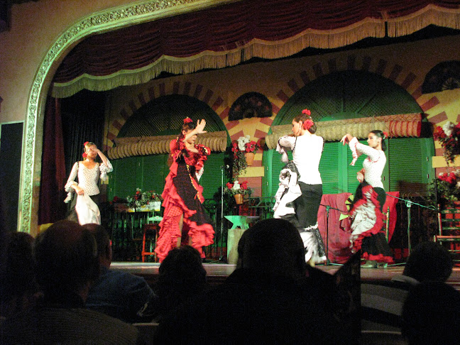 Traditional flamenco dance at El Palacio Andaluz, Sevilla, Spain