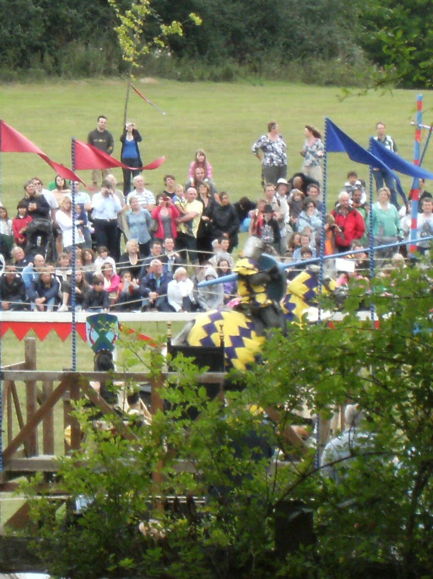 1008210008 Jousting at Hever Castle
