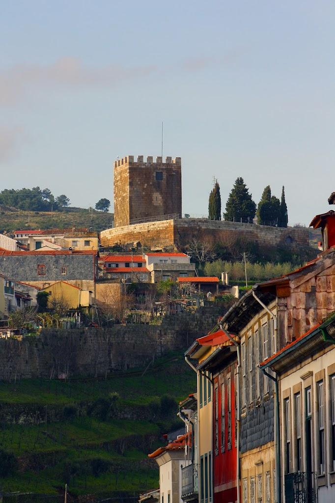 um castelo antigo