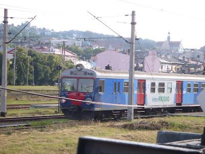 郊外線の列車