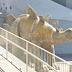 Cadáver é encontrado dentro de estátua de dinossauro na Espanha