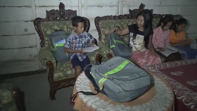 Demi US, Siswa Dua SDN Terpencil di Jombang Ini Terpaksa Numpang Tidur di Rumah Warga