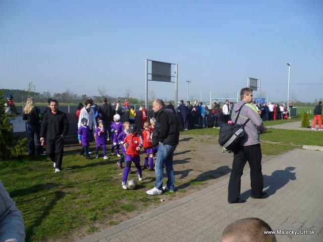 Veľkonočný medzinárodný ZLATÝ futbalový turnaj ČSFA (17.4.2011) - P1020031.JPG