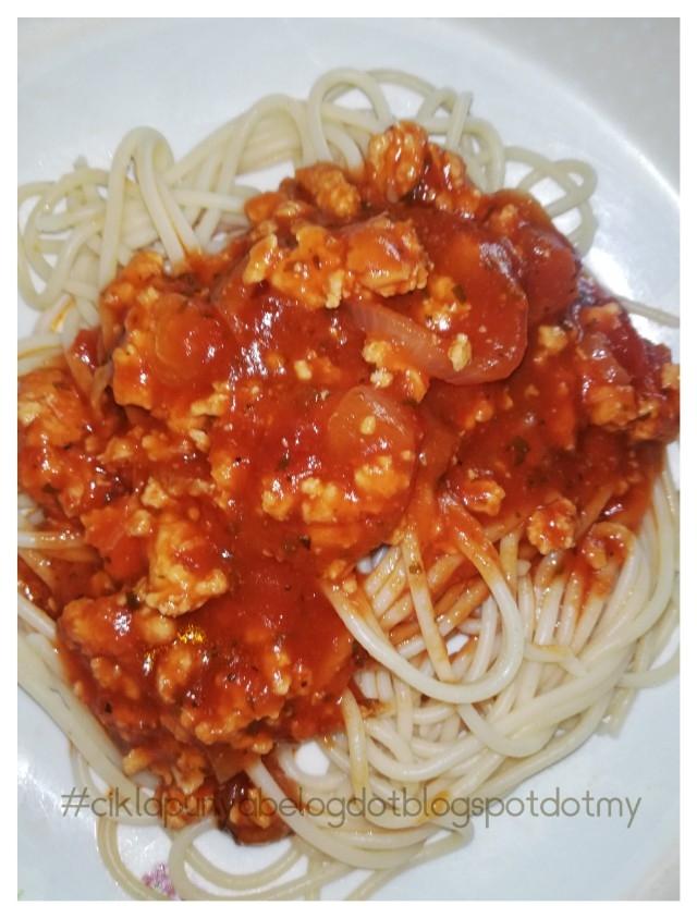 Masak spageti bolognese simple, melayan tekak loya.