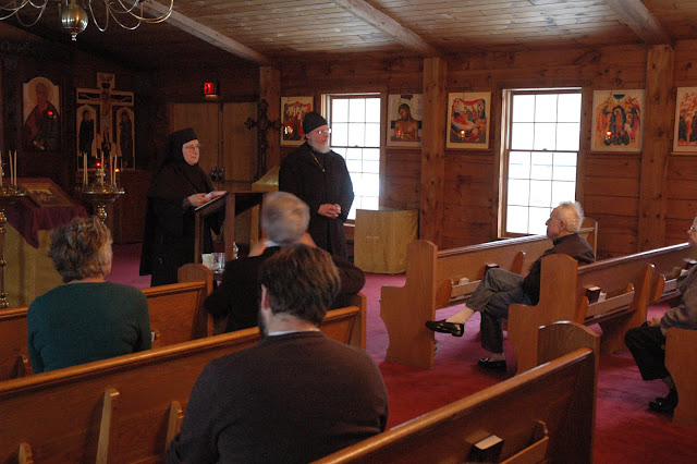 Fr. John thanks the participants and Mother Raphaela for coming together for an excellent retreat.
