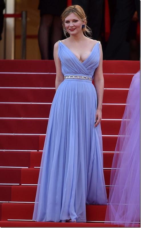 Kirsten Dunst in Schiaparelli Haute Couture