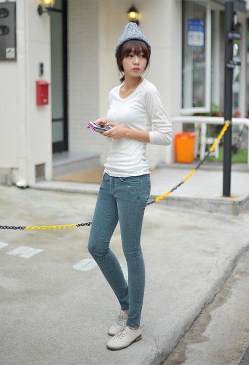 Don gian ma phong cach Quan jeans va ao thun