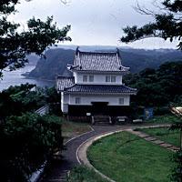 80 japan castle.jpg