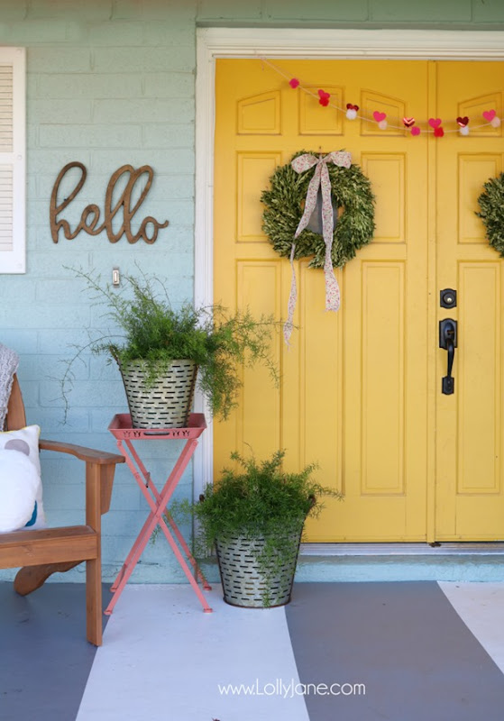 farmhouse-front-porch-decor