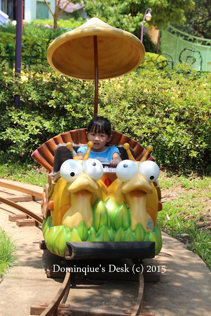 Tiger girl in the snail ride