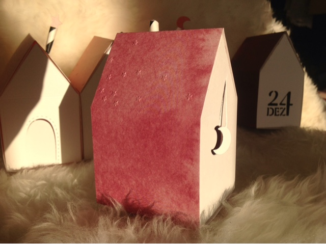 Alexandra Renke paper house