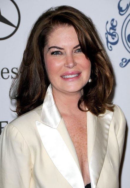 Lara Flynn Boyle Profile pictures, Dp Images, Display pics collection for whatsapp, Facebook, Instagram, Pinterest, Hi5.