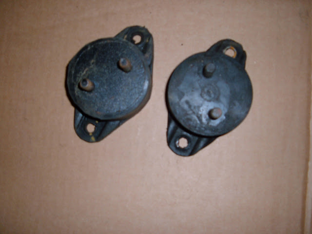 1953-1956 264-322 Engine Mounts. .95.00