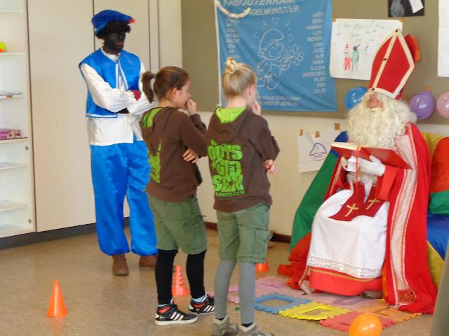 Sinterklaas op de scouts - 1 december 2013 - DSC00208.JPG