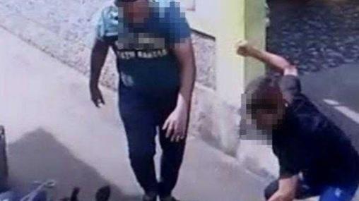 Gawat! Perwira TNI AU Dikeroyok Warga di Garut, Diduga Arogan Acungkan Golok ke Warga