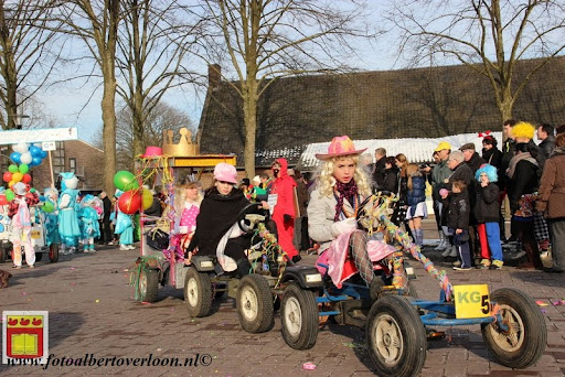 Carnavalsoptocht overloon 10-02-2013 (70).JPG