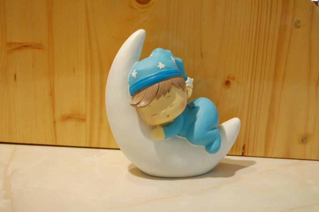 figurine-bapteme-lune-garçon.jpg