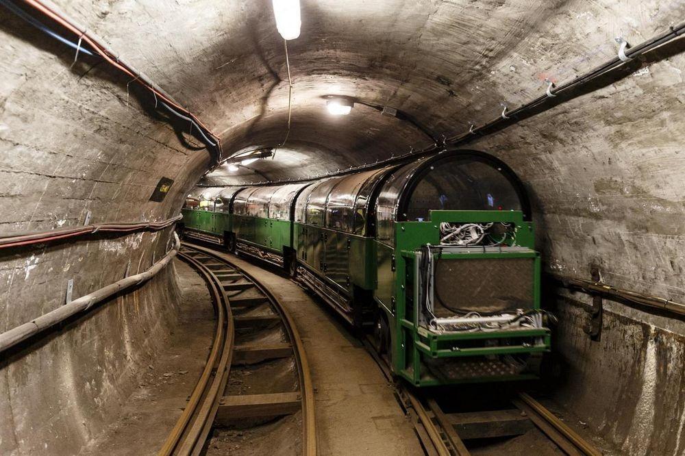 mail-rail-3