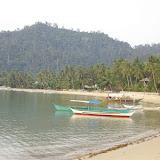 Port Barton. le lodge Greenviews Resort se trouve sur la plage à l'extrême-gauche de la photo. Palawan, 15 août 2005. Photo : J.-M. Gayman
