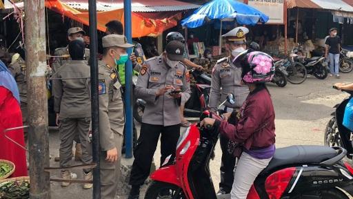 Terjaring Razia Penegakan Prokes, 67 orang di Swab oleh Satgas Covid-19 Kota Payakumbuh.
