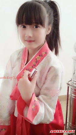 Hot girl Hà Vy 10X xinh hơn diễn viên Hàn Quốc