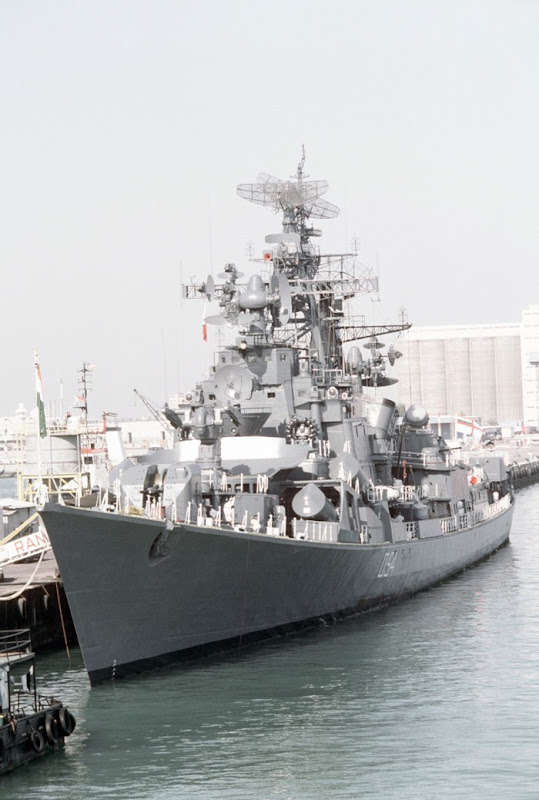 INS Ranvir - D54 - Guide Missile Destroyer - Indian Navy - 04 - TN