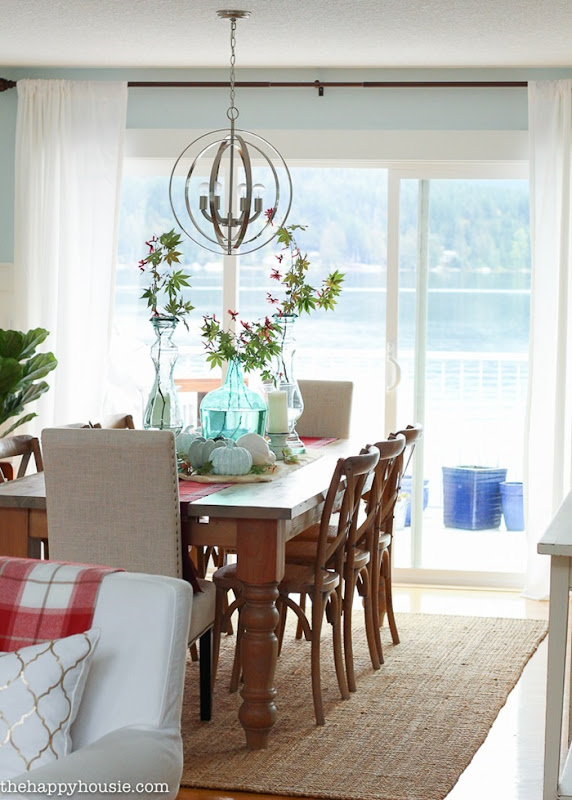 Beautiful-light-bright-and-airy-fall-home-tour-lakehouse-home-tour-with-pops-of-coral-and-fall-plaids-at-the-happy-housie-157