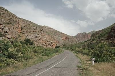 Anstieg zum Kloster Noravank