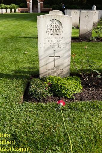 herdenkingsdienst  en een stille tocht naar het Engelse kerkhof 12-10-2014 (100).jpg