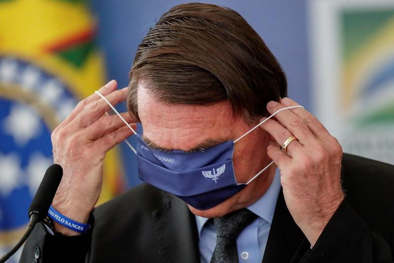 Governo Bolsonaro usa R$ 2,8 bi em máquinas por possível toma lá dá cá com municípios