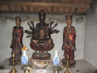 0025Ngo_Quyen_Temple