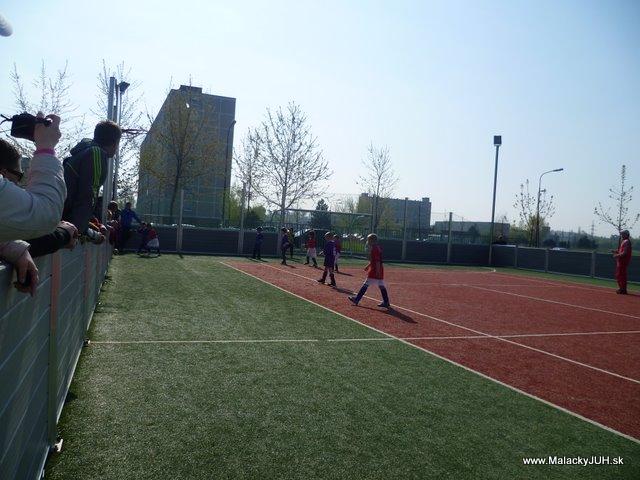 Veľkonočný medzinárodný ZLATÝ futbalový turnaj ČSFA (17.4.2011) - P1020045.JPG
