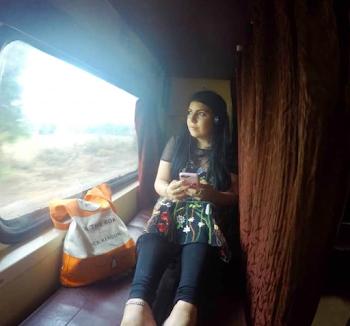 एक सफर  ट्रेन में