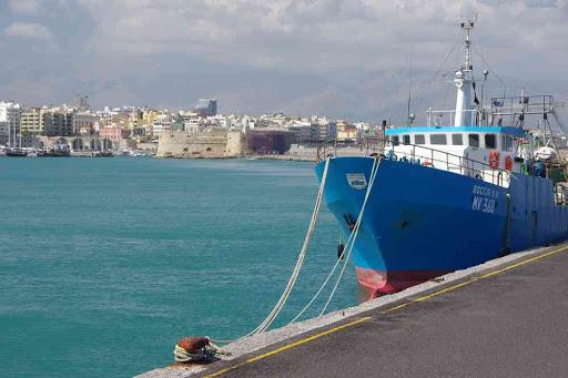 Héraklion (Ηράκλειο) (la jetée est plus longue et moins intéressante qu'à la Canée (Χανιά)).