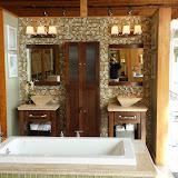 Bathrooms - 20140204_091349.jpg