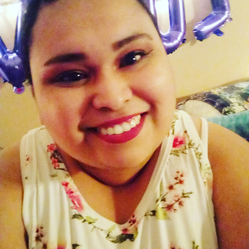 user Wendy Espinoza apkdeer profile image