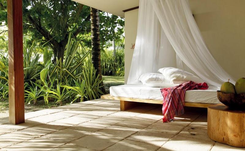 Desroches Island Resort - piclarge392beach%2Bsuite%2Bpatio%2Bday%2Bbed%2B%2528MLP%2529.jpg