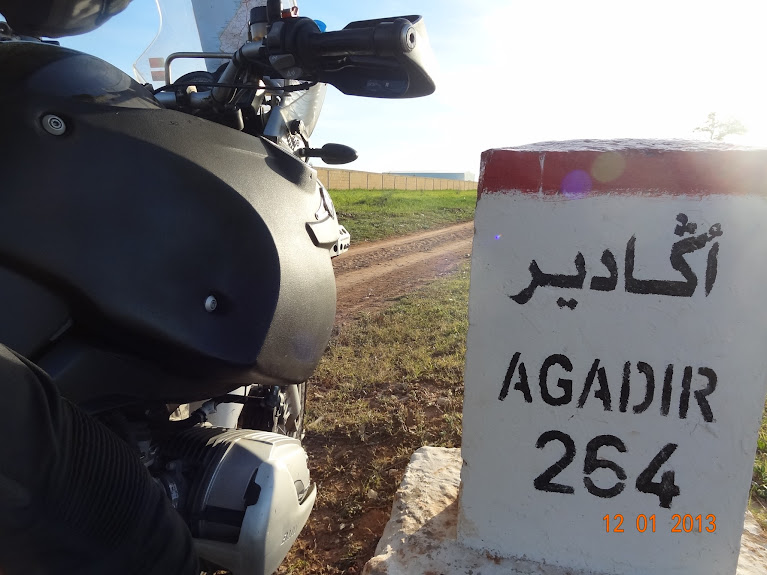 Marrocos e Mauritãnia a Queimar Pneu e Gasolina - Página 2 DSC05518