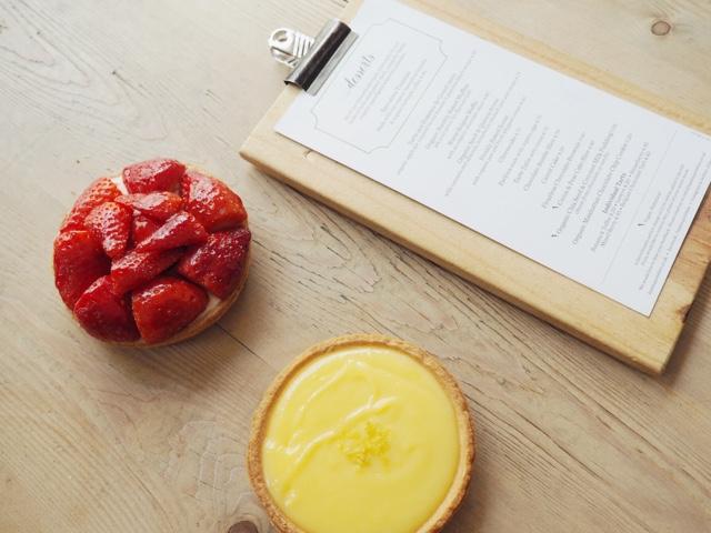 le-pain-quotidien-lemontart-strawberrytart