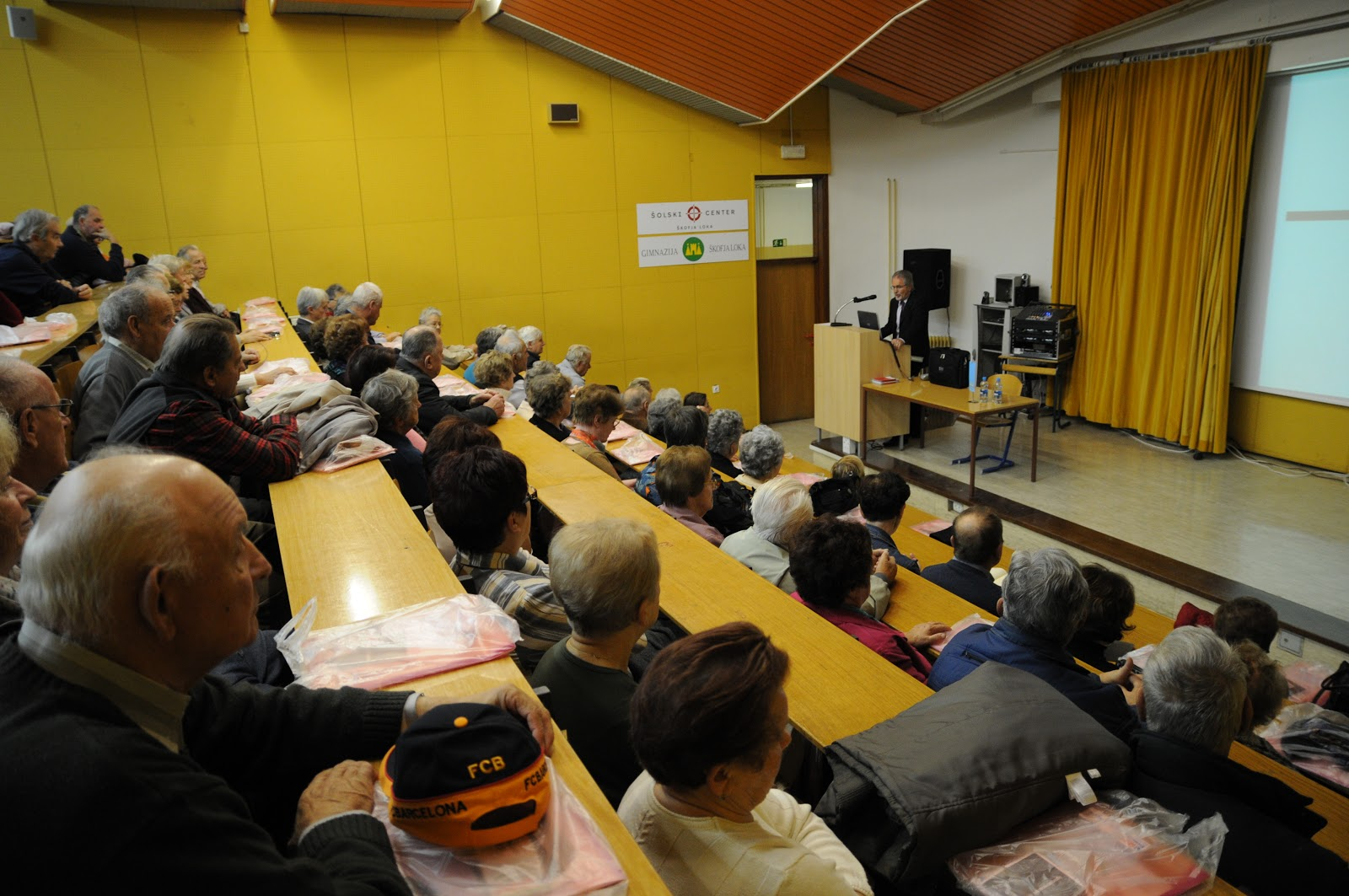 Predavanje, dr. Camlek - oktober 2011 - DSC_3864.JPG